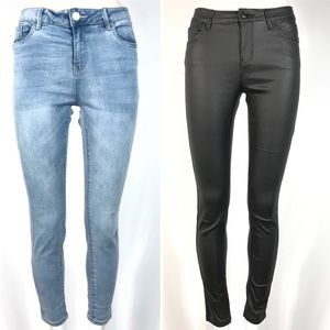 Lot of 2 rio skinny jeans